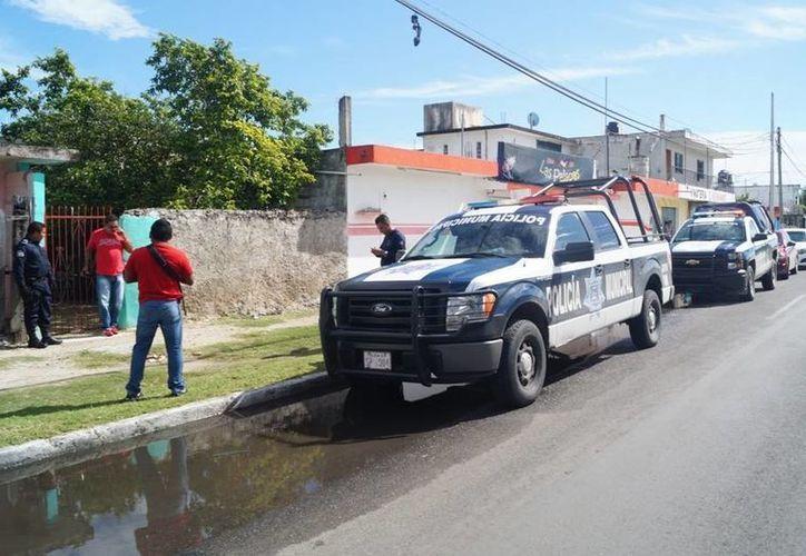 Elementos policíacos capacitan a ciudadanos para prevenir el delito. (Ángel Castilla/SIPSE)