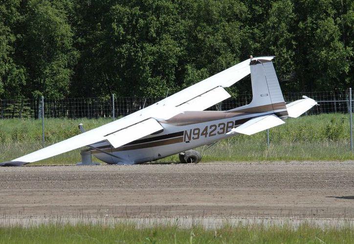 El tren de aterrizaje del segundo avión estaba dañado, pero logró aterrizar de emergencia. (vanguardia.com)