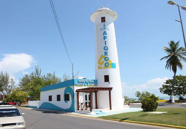 En su inauguración, en el año de 1950, el Faro se pinto de blanco y se pide que respeten el color. (Joel Zamora/SIPSE)