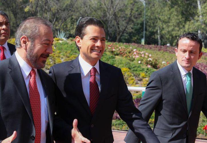 Peña Nieto encabezó el lanzamiento de la Cita Médica Digital del IMSS en el Centro Médico Nacional Siglo XXI. (Presidencia)