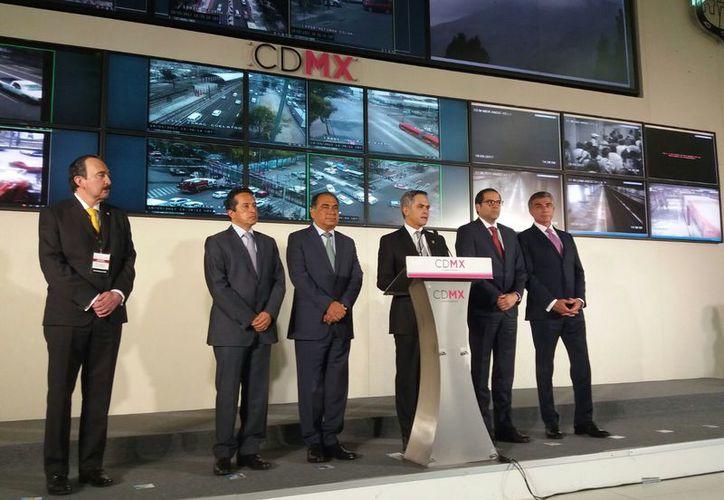 El gobernador Carlos Joaquín participó en los trabajos de la Comisión de Seguridad de la Conago, en la Ciudad de México. (Foto: Redacción / SIPSE)