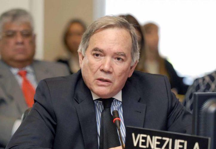 Roy Chanderton, embajador de Venezuela ante la OEA, se mostró satisfecho con la solidaridad de la organización. (cubadebate.cu)