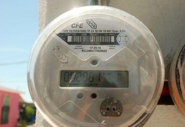 El robo del suministro de electricidad procede a una demanda penales. (Harold Alcocer/SIPSE)