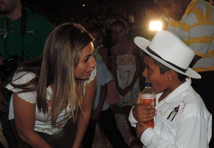 Jéssica Saidén, candidata del PRI a la alcaldía de Progreso, sostuvo diversos encuentros con la sociedad del puerto. (SIPSE)