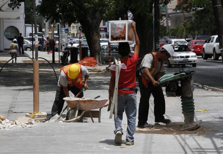 El DIF detecta a los menores y busca que sus padres apoyen su educación para dejar de trabajar. (Tomás Álvarez/SIPSE)