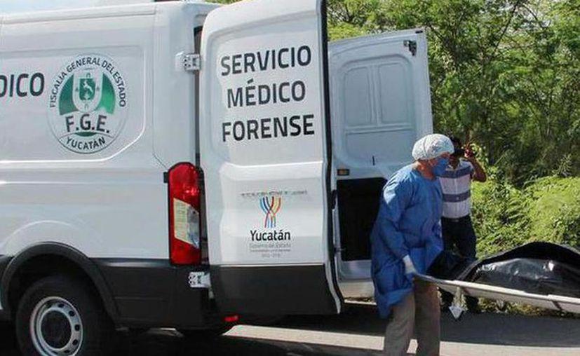 Personal del Servicio Médico Forense  se encargó del levantamiento del cadáver. (Foto de contexto/Novedades Yucatán)