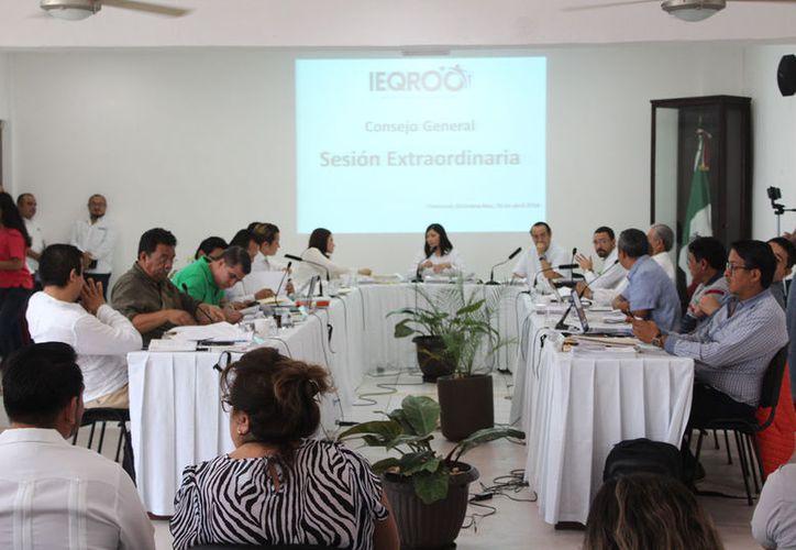 """El Ieqroo avaló 10 de las 11 candidaturas de 'Por Quintana Roo al Frente'; y nueve de 'Todos por Quintana Roo"""". (Joel Zamora/SIPSE)"""
