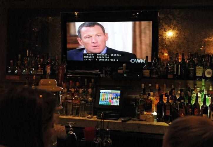 Las represalias contra Lance Armstrong se suceden una otra tras otra. (EFE)
