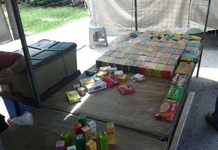 Se decomisaron productos a 15 comerciantes del tianguis de la colonia Colosio por no contar con los permisos correspondientes. (Carlos Calzado /SIPSE)