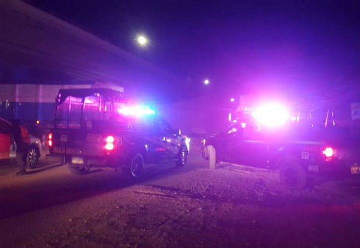 La explosión se registró la noche del miércoles, en el kilómetro 24, de la carretera Mérida-Progreso. (Gerardo Keb/Milenio Novedades)