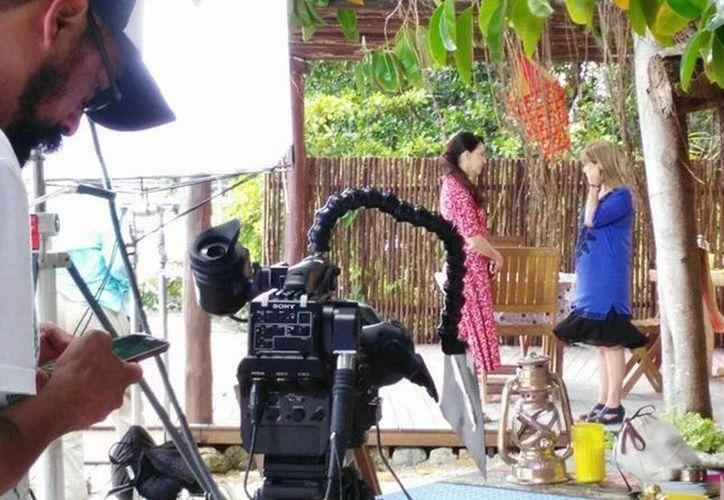 La actriz Angelique Boyer y todo el elenco de 'Como tres gotas de agua' ya están en Chetumal. (Ángel Castilla/SIPSE)
