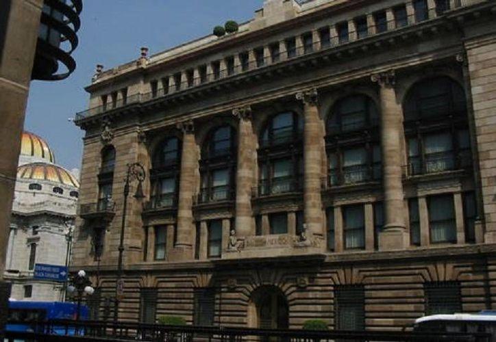 La Junta del Banco de México insiste en bajar la estimación de crecimiento de la economía nacional. (Milenio)
