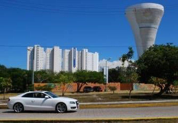 Diferentes zonas de Cancún sufrirán afectaciones en el resgistro del agua potable. (Cortesía)