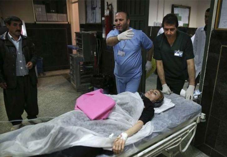 Al menos 38 personas resultaron heridas hoy tras un sismo de magnitud 5.3. (AP)