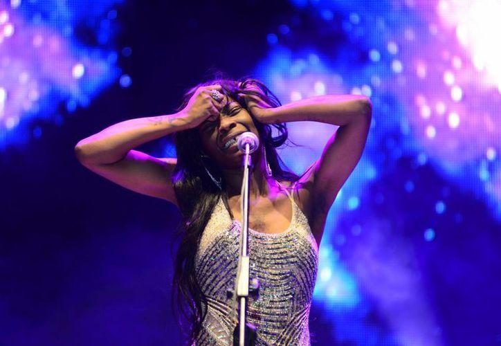 La cantante española Concha Buika durante su presentación esta noche en Mérida. (SIPSE)