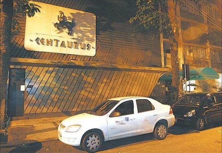 Fachada del club nocturno. Los seleccionados no han dicho nada sobre la publicación del periodista de Brasil. (odia.ig.com.br)