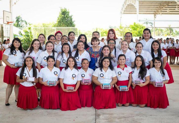 Del total de egresadas, 55 fueron estudiantes de la licenciatura en educación preescolar. (Novedades Yucatán)