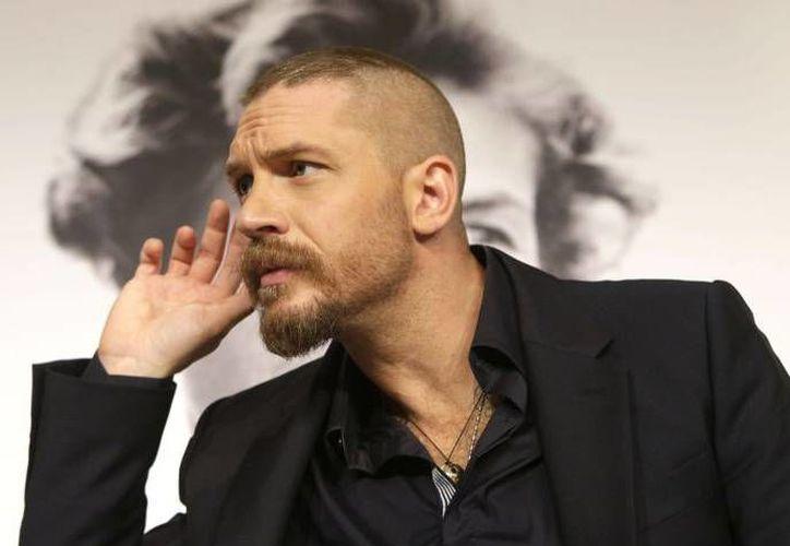 Tom Hardy, de 39 años, conocido por sus papeles en Mad Max Fury Road y The Revenant, no esconde su anhelo de ser el próximo agente 007, James Bond. (Foto tomada de excelsior.com)
