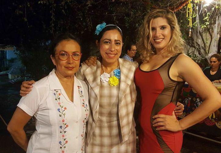 La obra de teatro presenta a tres mujeres que demuestran al público diferentes tipos de vida.  (Jocelyn Díaz/SIPSE)
