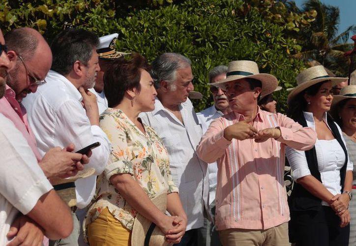 """El Ayuntamiento de Solidaridad y Gobierno del Estado trabajan juntos para aminorar los efectos de la """"marea parda"""". (Foto: Redacción)"""