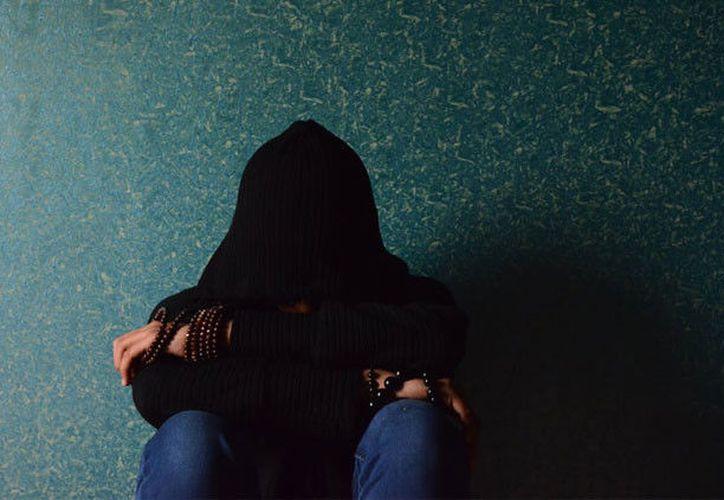 La joven de 15 años describió cómo planeaba ejecutar su plan e invitó a ver la transmisión del suicidio en directo. (RT)
