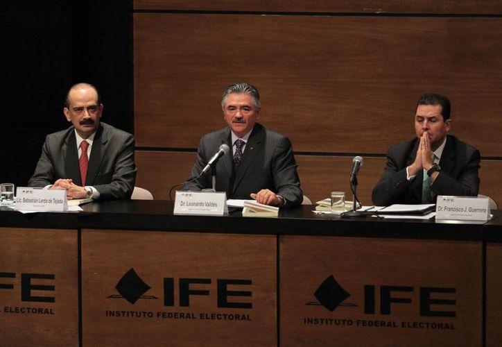 De acuerdo al IFE, el recorte de 500 mdp al que fue sujeto afecta a sus recursos, pero el financiamienrto de los partidos políticos está intacto. (Notimex)