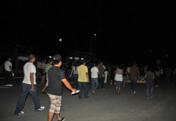 El bloqueo sobre la avenida Insurgentes duró más de una hora. (Benjamín Pat/SIPSE)