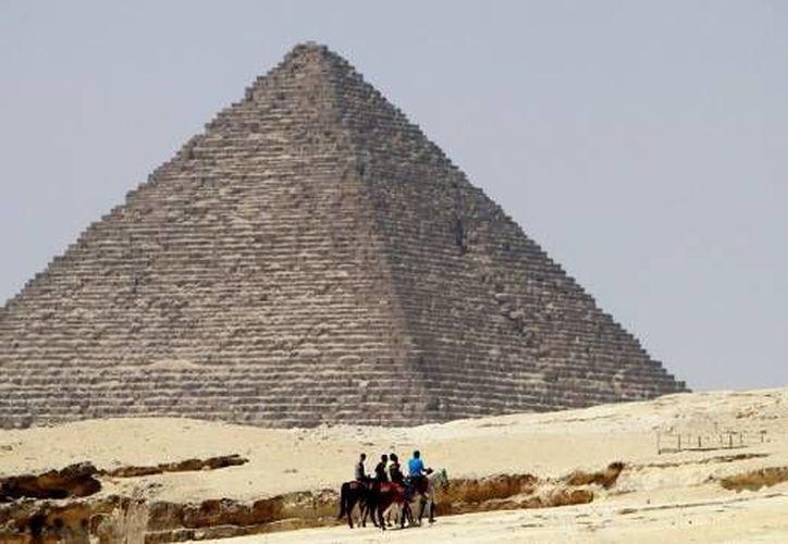 Peter James, un ingeniero galés, ha trabajado en el mantenimiento de las pirámides de Egipto en el transcurso de los últimos 20 años. (Archivo/Reuters)