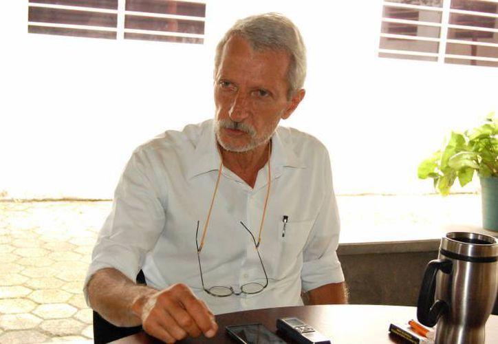 Eduardo Batllori, titular de Seduma: se requiere una mayor inversión para campañas de promoción y una buena captación de residuos tecnológicos, los cuales las personas mantienen en muchos casos en sus patios y garajes. (SIPSE)