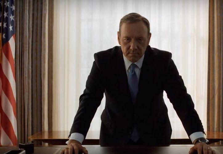 Netflix difundió este martes escenas de la cuarta temporada de la serie 'House of Cards'. En la imagen, el actor Kevin Spacey en su caracterización de Frank Underwood, protagonista de la serie. (Captura de pantalla/YouTube-Netflix US & Canadá)