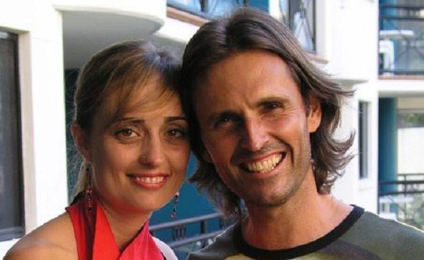Mary Luck y AJ extienden su palabra a nivel mundial. (colindye.com)