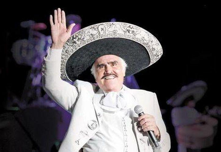 Vicente Fernández dirá adiós a los escenarios con el concierto denominado  'Un Azteca en el Azteca'.(Foto tomada de Grupo Fernández)