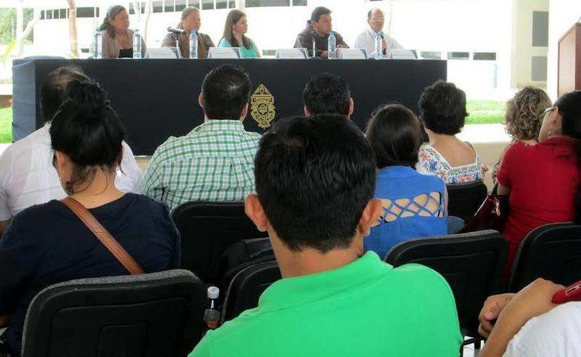 Ayer inició en esta ciudad el Primer Foro de Promoción y Protección de los Derechos Humanos, en la Facultad de Derecho de la Uady. (SIPSE)