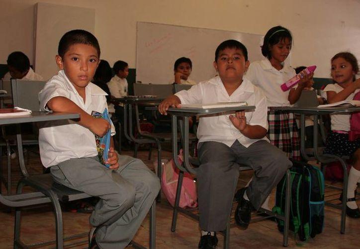 El Ayuntamiento anunció que entregará 260 becas para estudiantes de todos los niveles educativos. (Irving Canul/SIPSE)