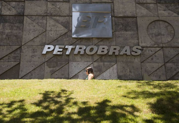 El 14 de noviembre pasado, el juez Sergio Moro ordenó la detención de una veintena de ejecutivos de Petrobras. (cb24.tv)