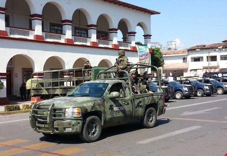 El despliegue de las fuerzas federales ocurre días después de la quema de las oficinas municipales de Apatzingán. (Facebook/Valor por Michoacán SDR)