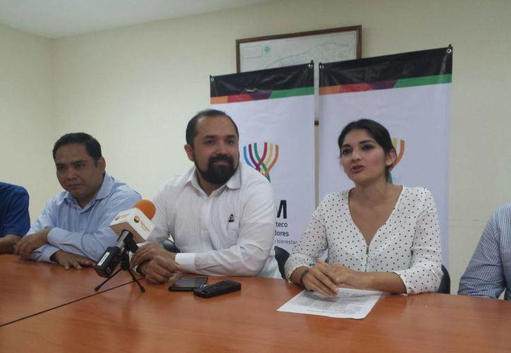 Imagen de la rueda de prensa para el anuncio del 'Hackbanero' que se realizará este 21 y 22 de noviembre en la UTM. (Candelario Robles/SIPSE)