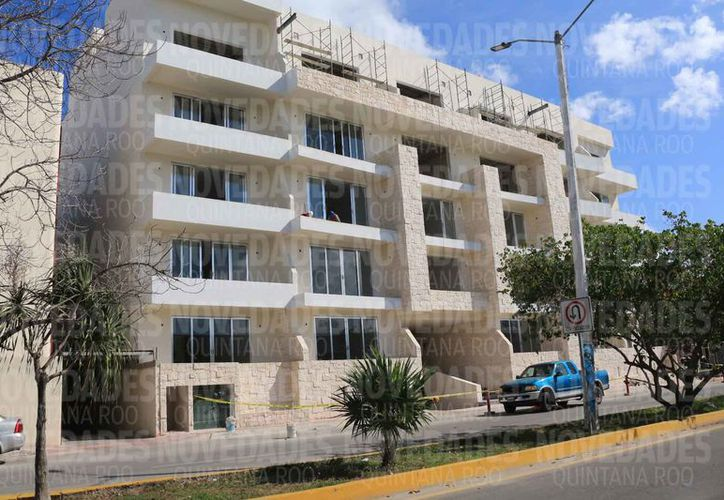 Algunos edificios autorizados en la pasada administración carecen de áreas verdes. (Adrián Barreto/SIPSE)