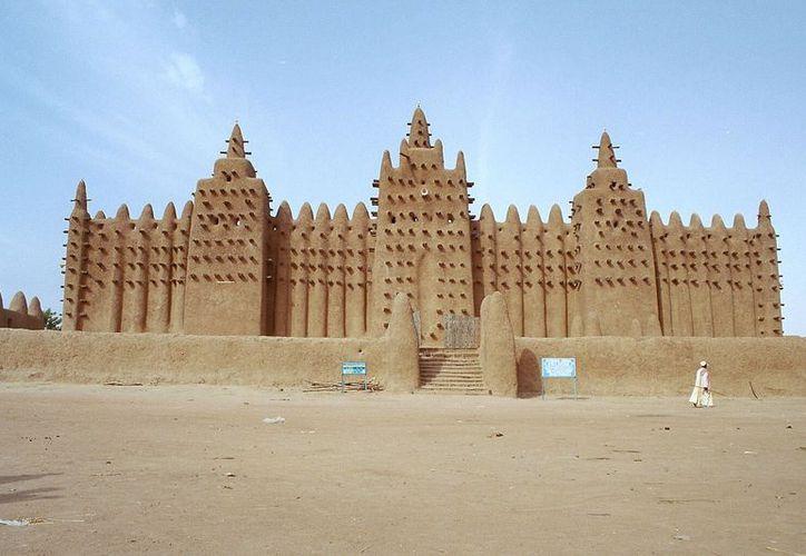 Algunos de los mausoleos resguardan alto valor histórico. (Internet)