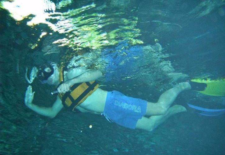 Este año la afluencia a los ríos subterráneos del ejido Jacinto Pat, se ha triplicado. (Rossy López/SIPSE)