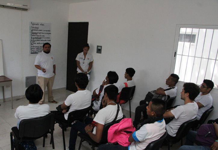 La edad en la que los menores inician en las drogas en Cancún ha disminuido cuatro  años. (Paola Chiomante/SIPSE)