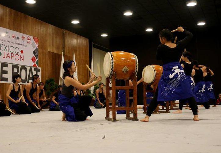 Durante el evento se presentaron diferentes bailables. (Cortesía/SIPSE)