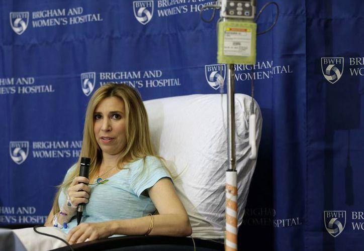 Heather Abbott, herida en Boston, sufrió una amputación por debajo de la rodilla de la pierna izquierda. (Agencias)