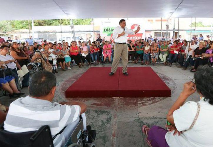 El Gobernador de Yucatán explicó de los beneficios de diversos esquemas impulsados por la administración que preside. (Cortesía)