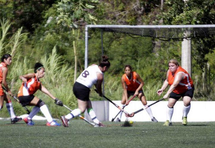 El equipo El Rocío de Argentina, resultó ganador del torneo en la rama femenil. (Francisco Gálvez/SIPSE)
