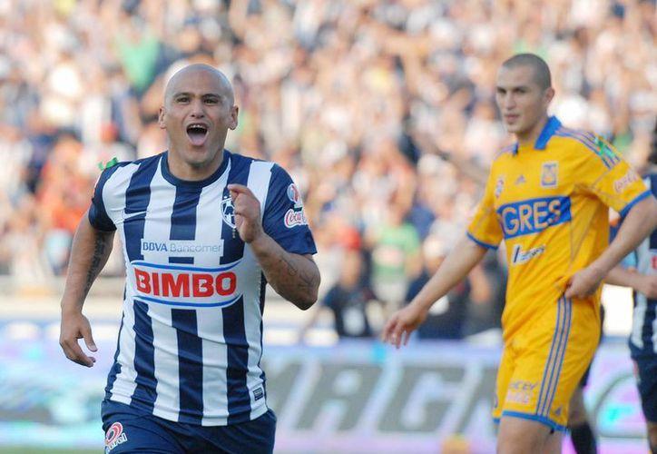 'El Chupete' anotó el solitario y definitivo gol a los 19 minutos. (Notimex)