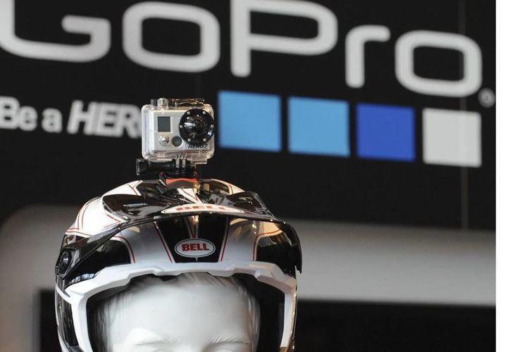 En su primer día en la bolsa de Valores, las acciones de GoPro se cotizaban a 31.35 dólares, rebasando por siete dólares la previsión de 24 dólares que la compañía fijó. (EFE/Archivo)