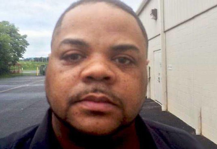 Imagen de archivo de Bryce Williams, quien esta mañana asesino a dos reporteros mientras hacían una entrevista en vivo para la Cadena WDBJ-TV. (coed.com)