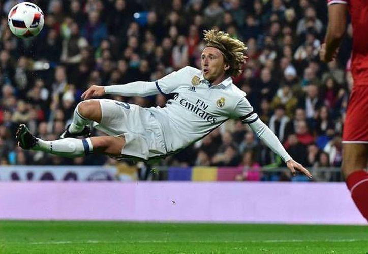 Modric estuvo a punto de meter un golazo. (marca.com)