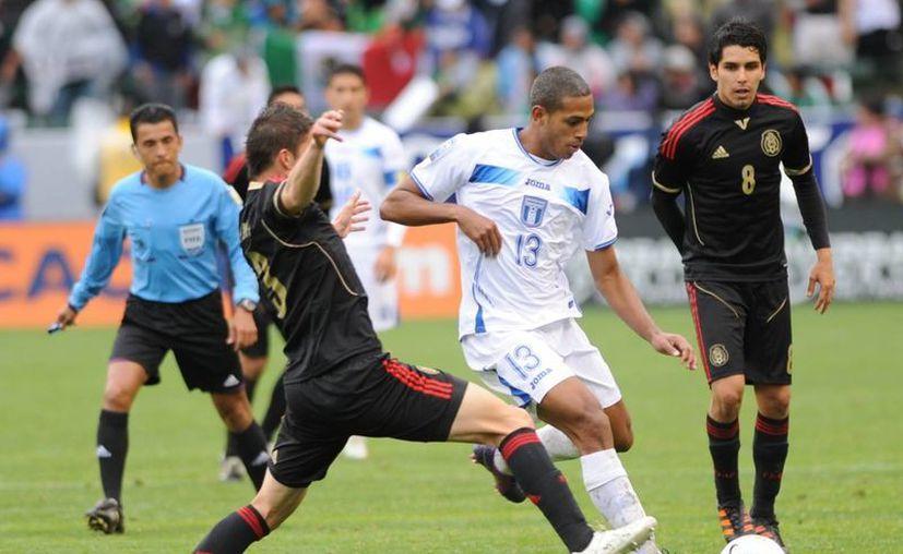 La selección mexicana apenas ha rescatado dos puntos hasta ahora.  (latribunadeportiva.hn)